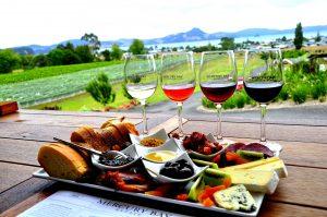 Основният въпрос към виното - червено, бяло или розе?! - Здраве & Вино