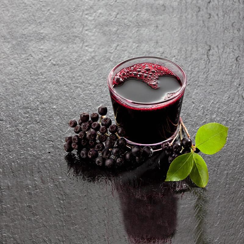 Сироп и плодове от арония