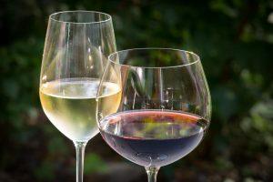 бяло и червено вино