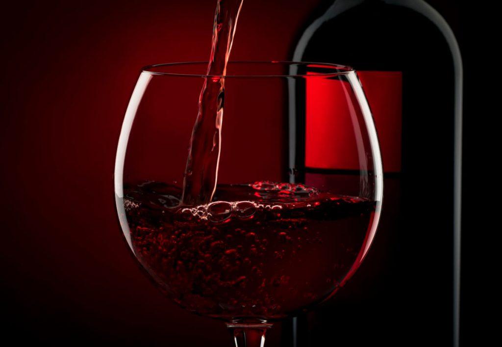 cherveno-vino-chasha