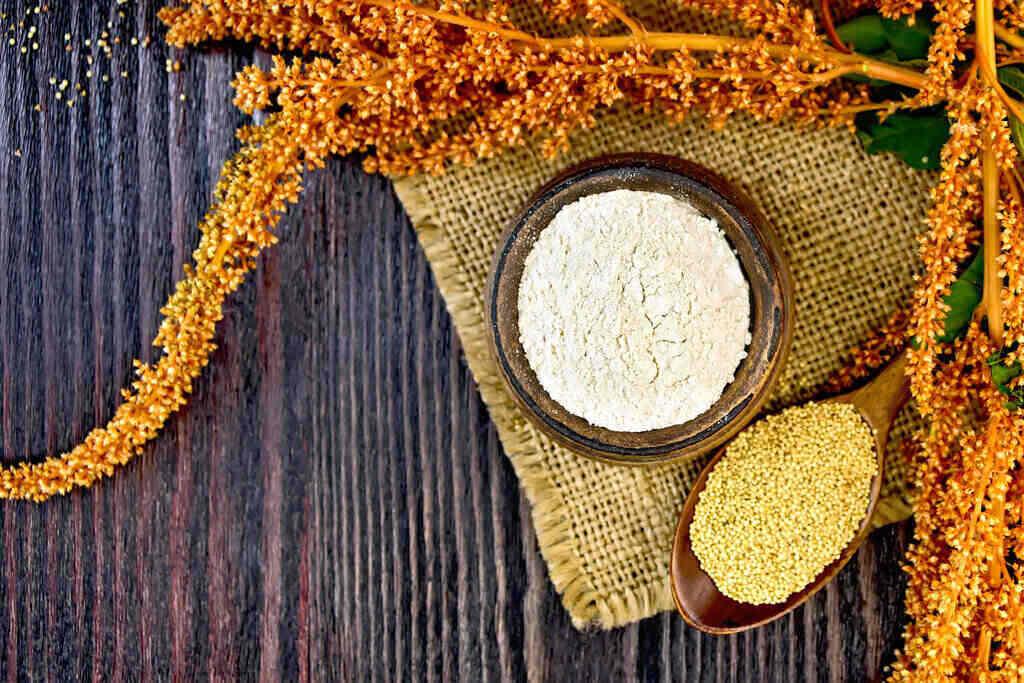 Купа с брашно от Щир и семена