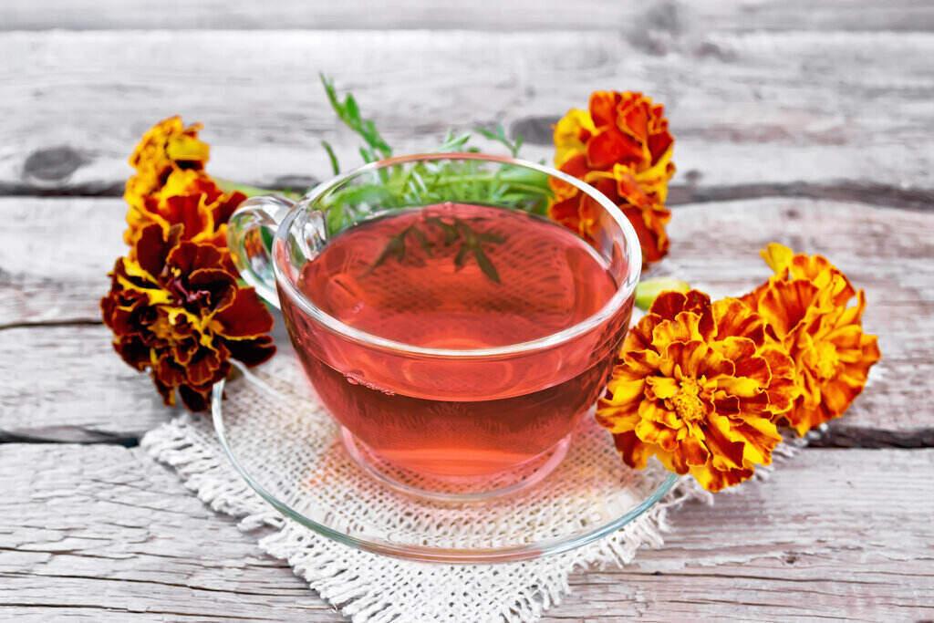 Цветя Турта и чай от Турта